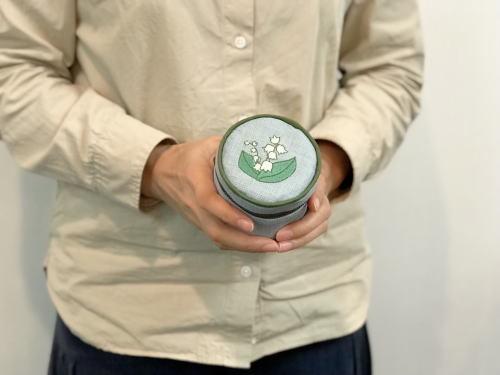 ミシン刺繍のバニティポーチのキットの予約販売_d0091671_13464706.jpg