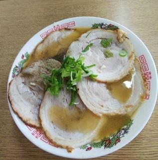 十三八(とみや)の鳥坂(とっさか)ラーメンが美味しい_d0043390_22153367.jpg