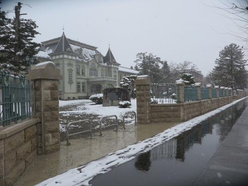 重文本館の昼下がり、「彼岸過ぎまで七雪」2020.3.29_c0075701_14171581.jpg