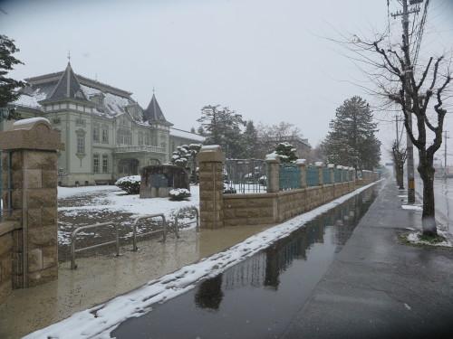 重文本館の昼下がり、「彼岸過ぎまで七雪」2020.3.29_c0075701_14172186.jpg