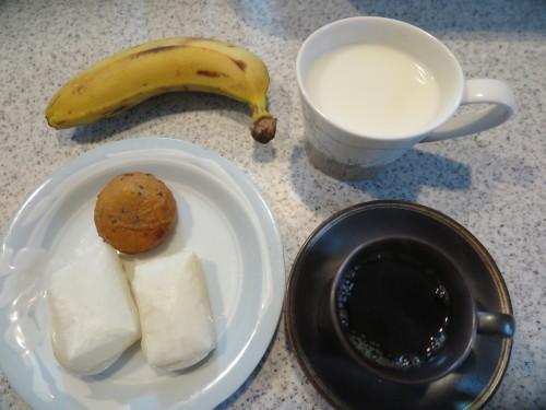 朝:芋もっち&焼き餅 昼:ピソリーノでパスタ&ピザ 夜:_c0075701_18521711.jpg