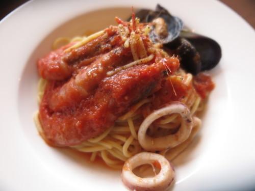 朝:芋もっち&焼き餅 昼:ピソリーノでパスタ&ピザ 夜:_c0075701_18570202.jpg