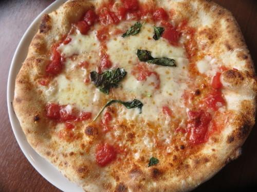 朝:芋もっち&焼き餅 昼:ピソリーノでパスタ&ピザ 夜:_c0075701_18571640.jpg