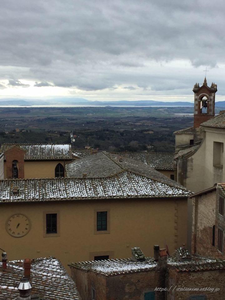 モンテプルチャーノの雪景色_d0219019_16495058.jpg