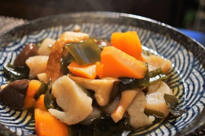 ■晩ご飯【昆布/竹輪/椎茸/コンニャクの煮物】これうまつゆで簡単!美味しい!_b0033423_19414376.jpg