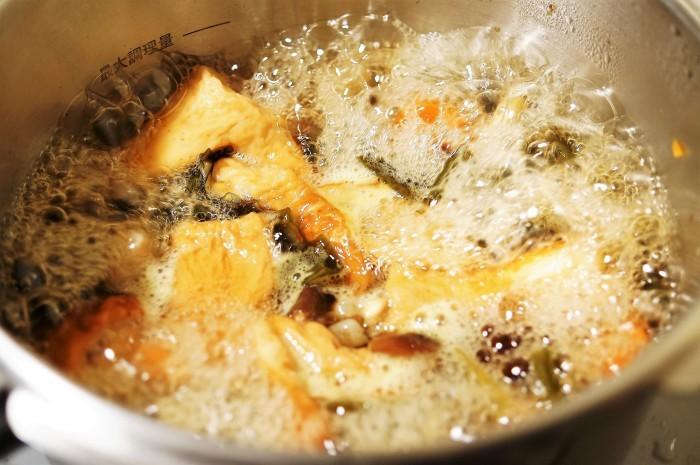 ■晩ご飯【昆布/竹輪/椎茸/コンニャクの煮物】これうまつゆで簡単!美味しい!_b0033423_19592713.jpg