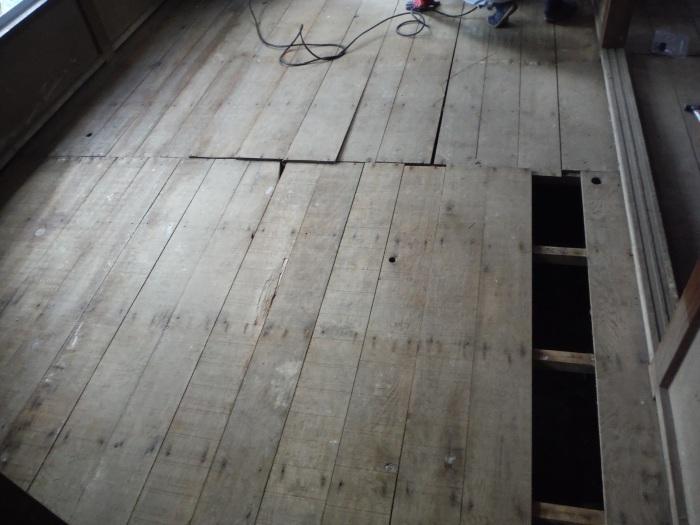 床上浸水 ~ 和室6畳間から開始です。_d0165368_07501992.jpg