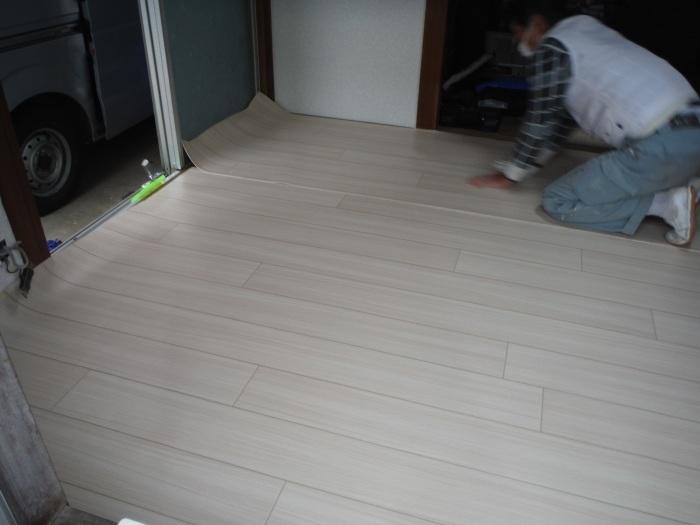 床上浸水 ~ 和室6畳間から開始です。_d0165368_07515703.jpg