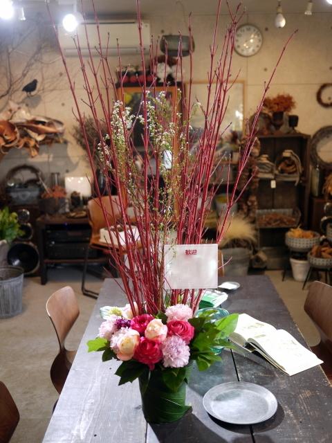 歓迎のアレンジメント。澄川3条にお届け②。「ピンク系、大人っぽく、優しい感じ」。2020/03/24。_b0171193_17134724.jpg