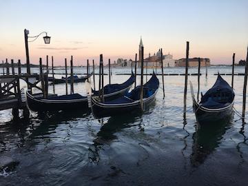 「名曲アルバム」ヴェネツィア編、「ホフマンの舟歌」と「ゴンドラをこぐ女」_c0339296_10385142.jpg