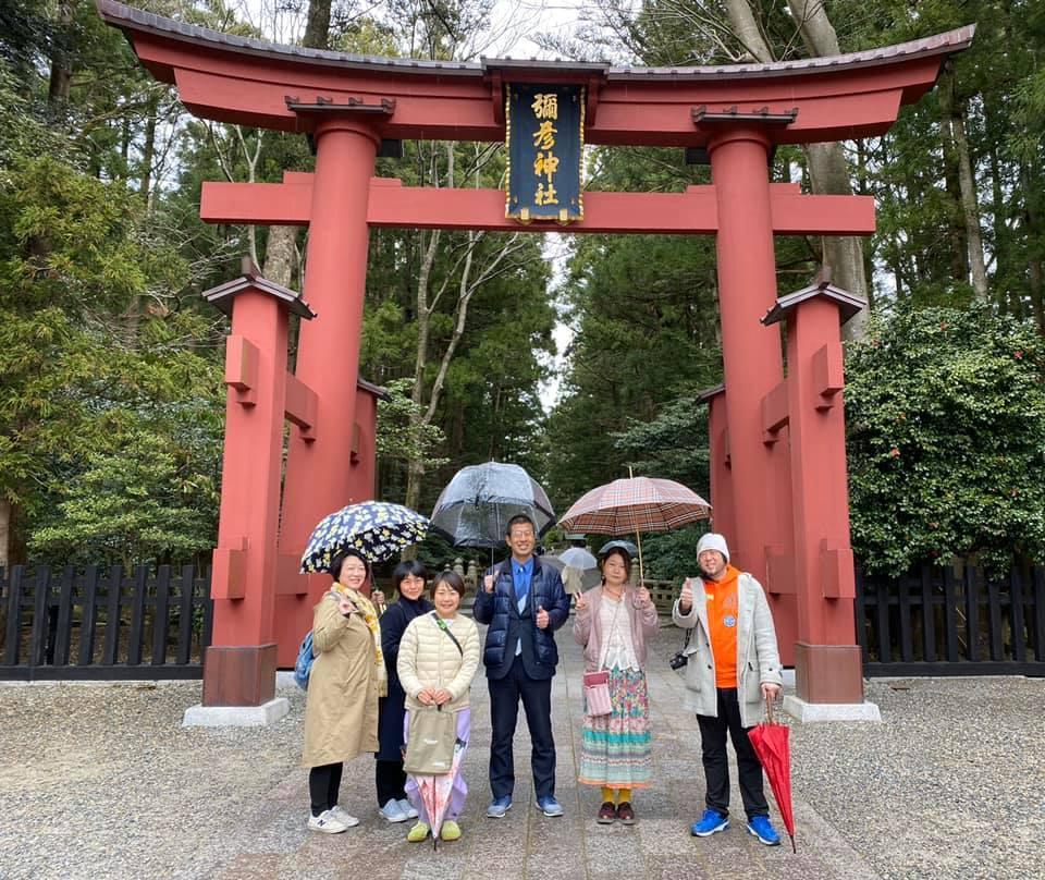 導かれて…弥彦神社へ_a0126418_14424703.jpg