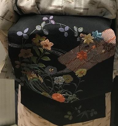 野田淳子さん・久米島紬に色と刺繍を足された帯。_f0181251_18191756.jpg