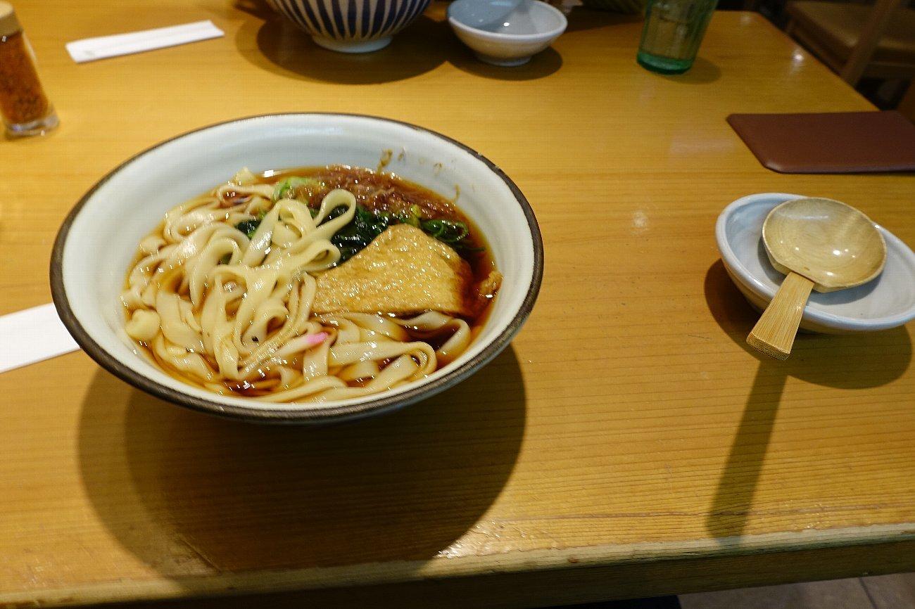 名古屋駅で昼食_c0112559_08115742.jpg