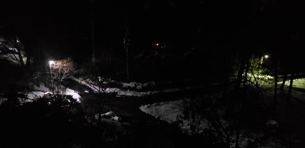 真夜中の1時過ぎ車が..._b0222066_01244992.jpg