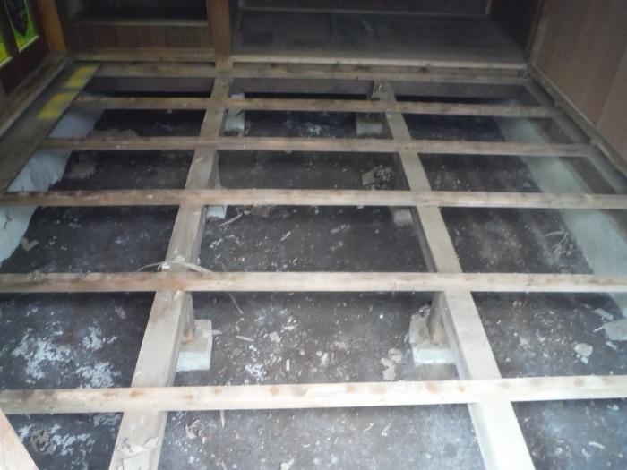 床上浸水 ~ 和室4.5畳間の工事。_d0165368_01485863.jpg