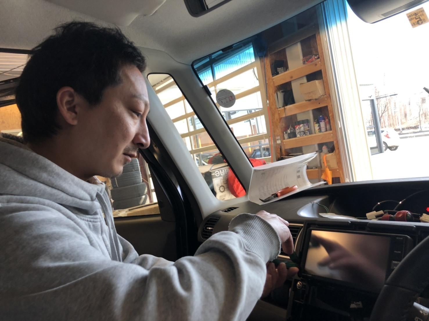 3月31日(火) 本店ブログ♪平成29年式 アウディTT Sクーペ 4WDあります☆彡_b0127002_19000824.jpg