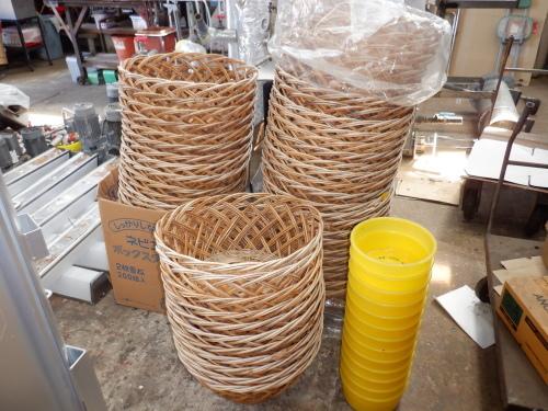 銭湯用品中古品特価販売、手すり、脱衣カゴ、松竹錠、etc・・・_f0228240_16370772.jpg
