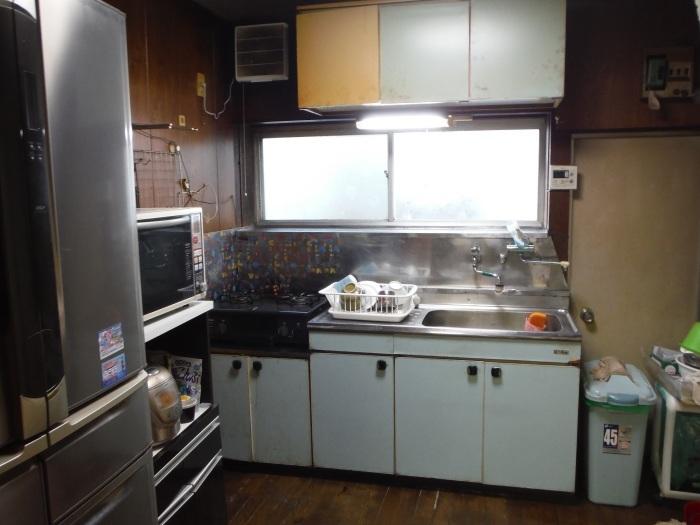 床上浸水 ~ キッチン工事。_d0165368_03564008.jpg