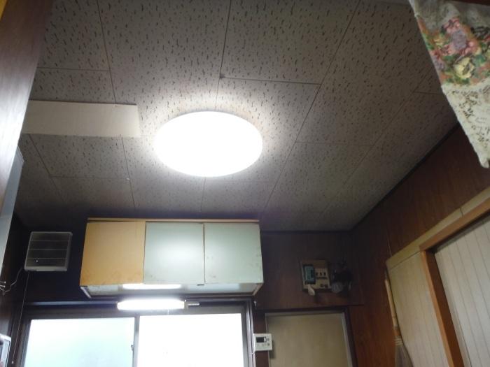 床上浸水 ~ キッチン工事。_d0165368_03574346.jpg