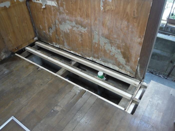 床上浸水 ~ キッチン工事。_d0165368_03585968.jpg