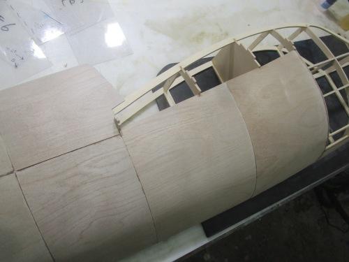 1/3ミニモア 2a 物語 その8 胴体前部胴枠外板貼り_e0146402_19082148.jpeg
