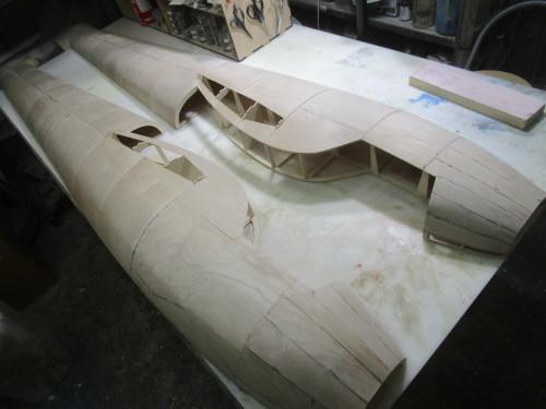 1/3ミニモア 2a 物語 その8 胴体前部胴枠外板貼り_e0146402_19154005.jpg