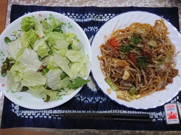 3/31 シマダヤ 鉄板麺縁日ソース味、アジアンサラダ、からだを想うオールフリー @自宅_b0042308_01034620.jpg