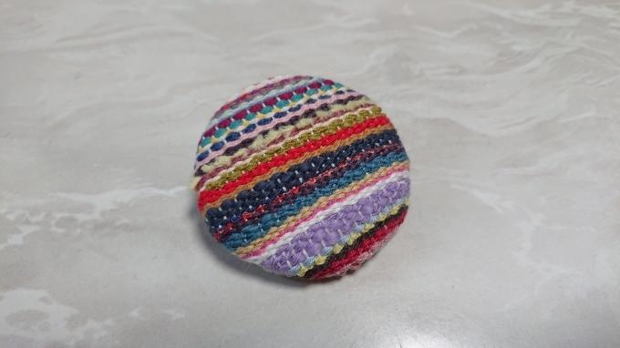 織りのブローチ完成です♪_f0374160_22092570.jpg