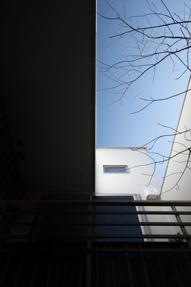 真砂の家の中庭と外観 竣工写真1_b0349892_10293301.jpg