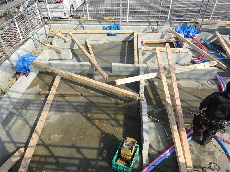 青山の家 建て替え工事 進行中。_f0105112_04584280.jpg