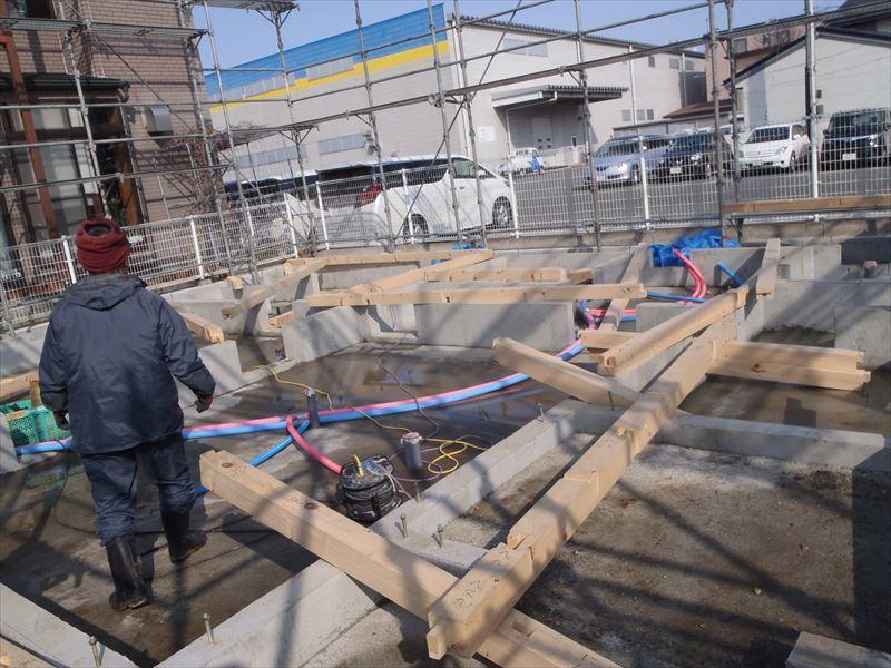 青山の家 建て替え工事 進行中。_f0105112_04584398.jpg