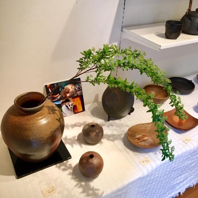 ギャラリー開催 ・James Erasmus 春の陶器展・_a0141134_15334685.jpg