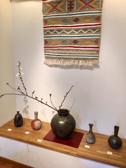 ギャラリー開催 ・James Erasmus 春の陶器展・_a0141134_15342556.jpg