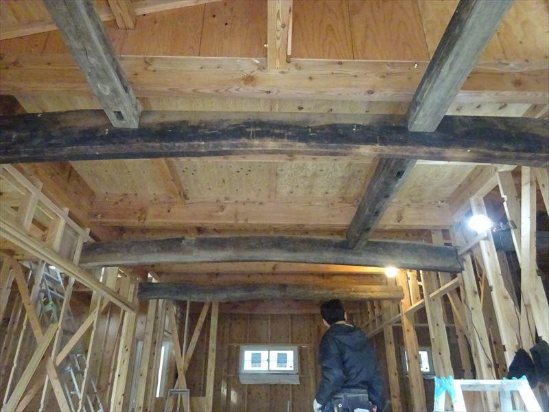 下太田 古材新築の家 大工工事進行中です。_f0105112_05082944.jpg