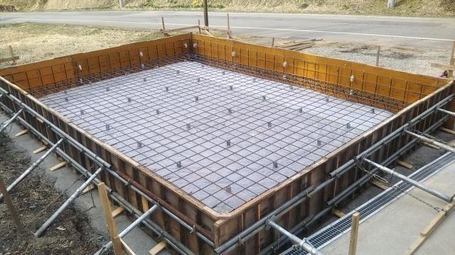 ハウス建てⅡ_f0032130_18472825.jpg