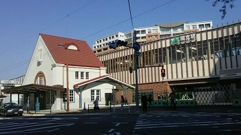 駅の窓 国立(東京)_e0098739_12054837.jpg