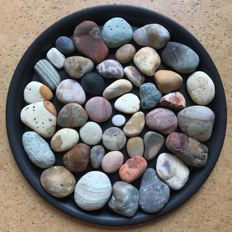 【海で拾った石】 2020年石拾い始め_f0169147_16520638.jpg