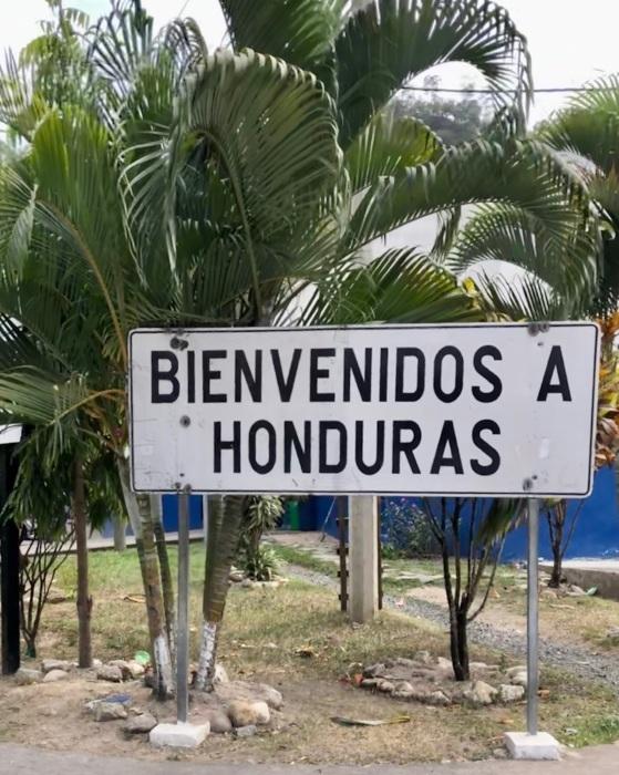 国境を超えホンジュラスへ!_a0092659_21372177.jpeg