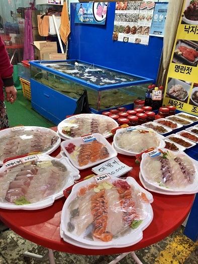 2月のソウル・・・・記憶旅⑧ ヨンチョン市場でカムジャタンを囲む_b0060363_23092411.jpeg