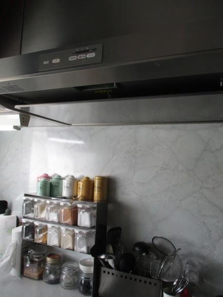 換気&換気扇掃除&茄子のミートソースグラタン_a0279743_16253902.jpg