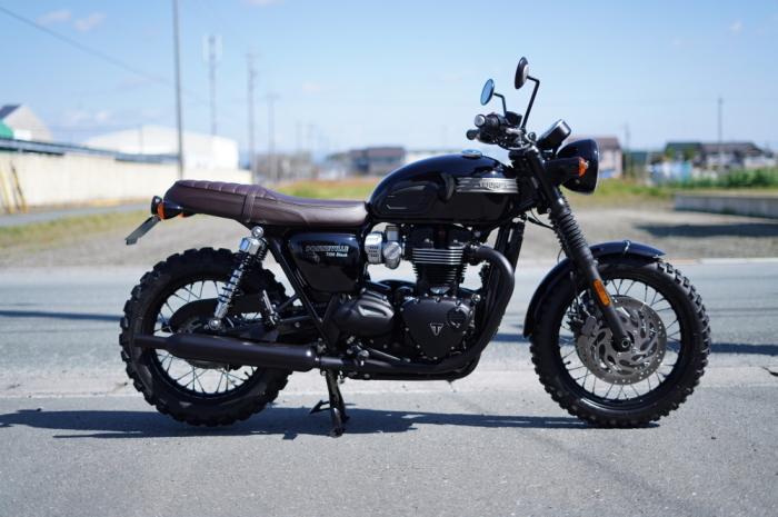 2019 Triumph Bonneville T120 Black_f0186648_10423996.jpg