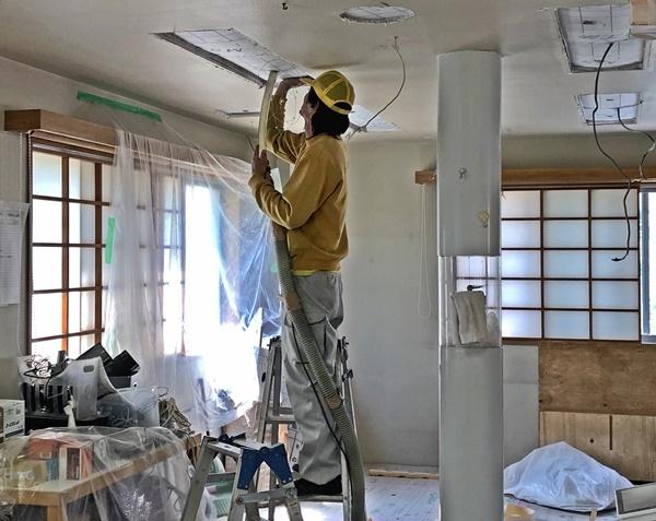 事務所改装工事 セルロース吹き込み_c0019551_17004668.jpg