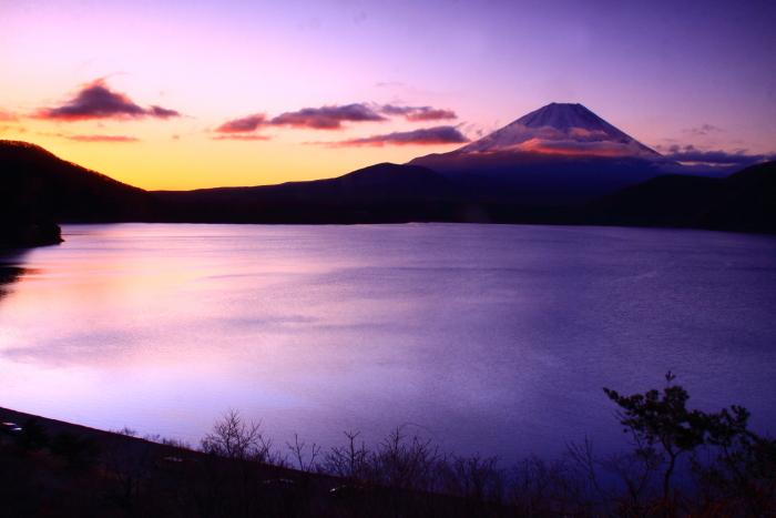 令和2年3月の富士 (28) 本栖湖の日の出の富士_e0344396_18215570.jpg