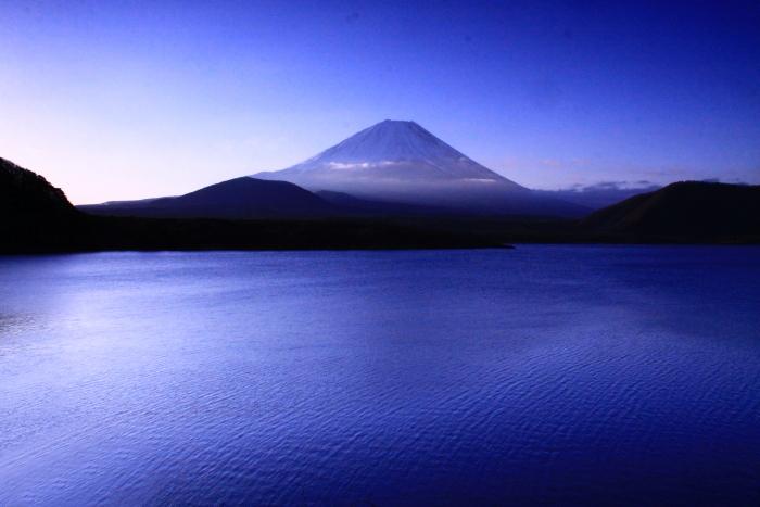 令和2年3月の富士 (28) 本栖湖の日の出の富士_e0344396_18215641.jpg