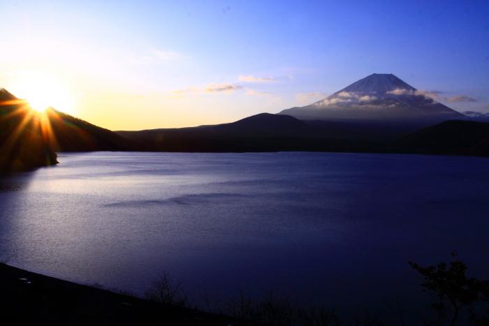 令和2年3月の富士 (28) 本栖湖の日の出の富士_e0344396_18215651.jpg
