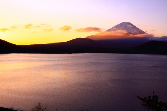 令和2年3月の富士 (28) 本栖湖の日の出の富士_e0344396_18215698.jpg