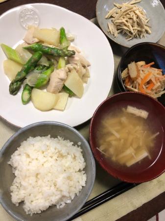 鶏肉とアスパラの炒め物_d0235108_20471276.jpg