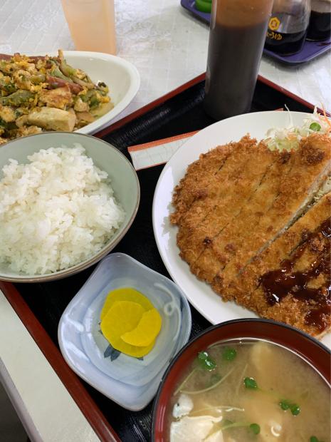 高山食堂のとんかつ定食_e0098955_22233302.jpg