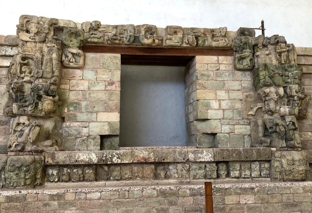 コパン遺跡 2 石彫博物館 @ホンジュラス_a0092659_19080571.jpg