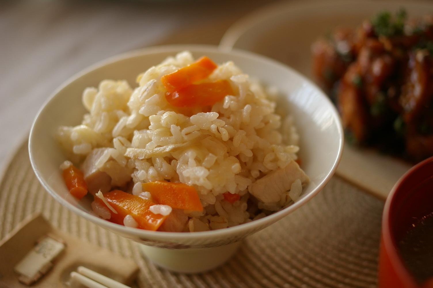 生姜ご飯と蒸し鶏のセロリ和え_d0327373_18332740.jpg